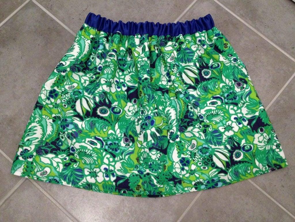 nom d'une couture jupe verte bleu et blanche avec taille elastique