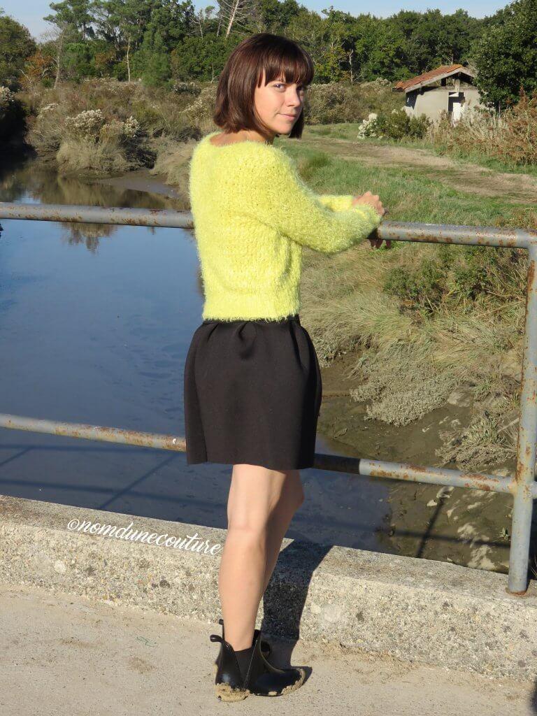 Nom d'une couture ! Oh une mini jupe à plis plats !