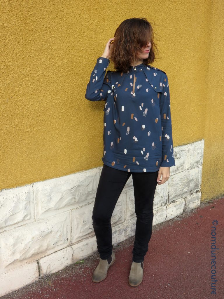 look femme blouse rocaille jeans bottines chelsea