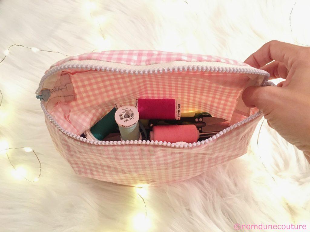 trousse de couture en tissu vichy rose