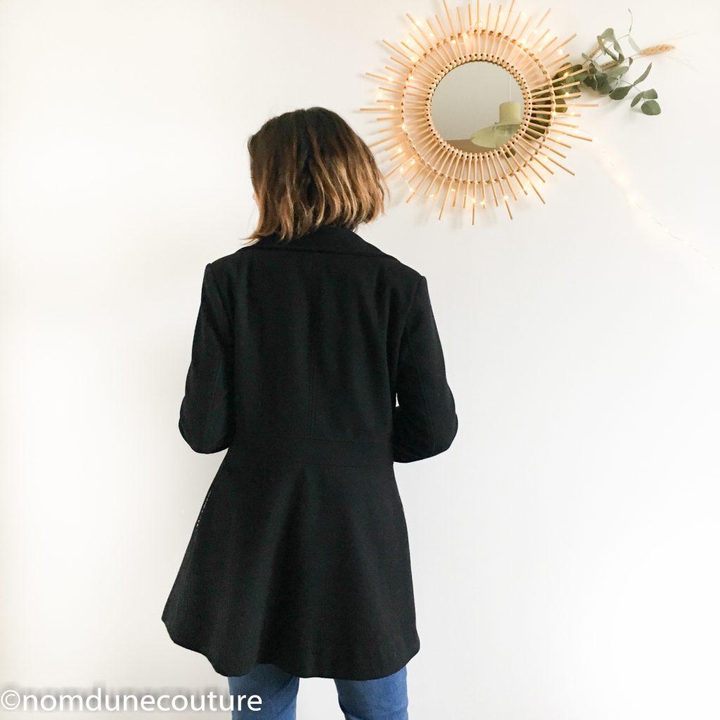 saillant d'un manteau caban