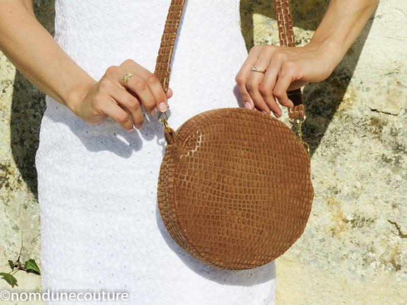 sac rond sun nom d'une couture simple camel