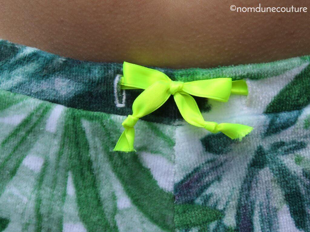 ceinture avec boutonnières et ruban