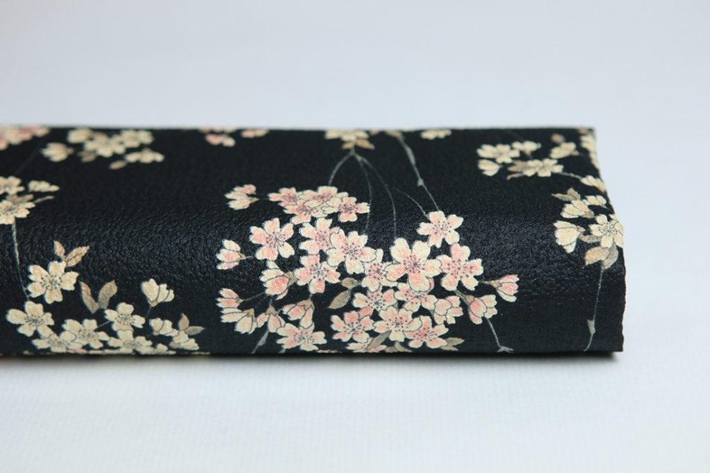 tissu japonais sakura gaufré avec fleurs