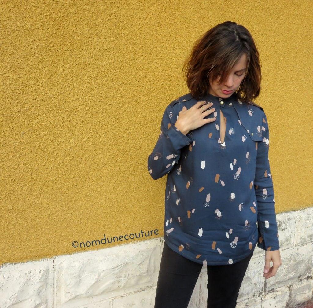 détail fente blouse rocaille