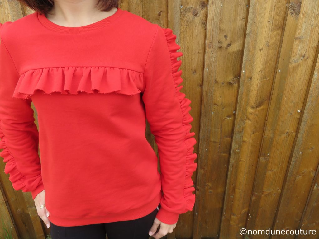 diy sweat volanté rouge