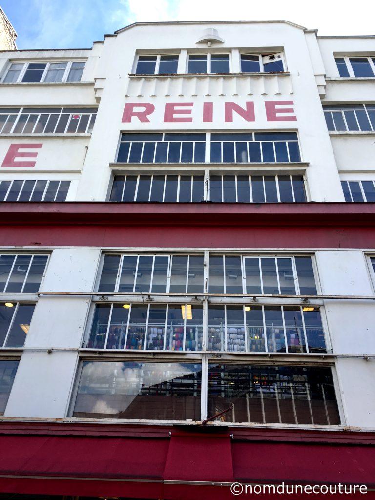 tissu Reine à Paris Montmartre