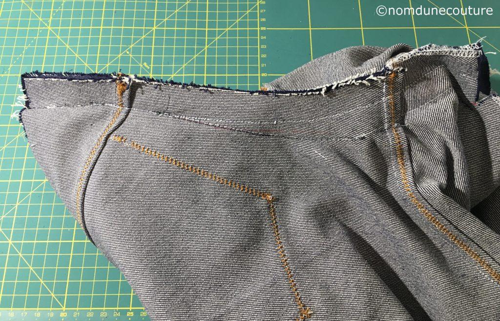 ajuster la fourche d'un jean