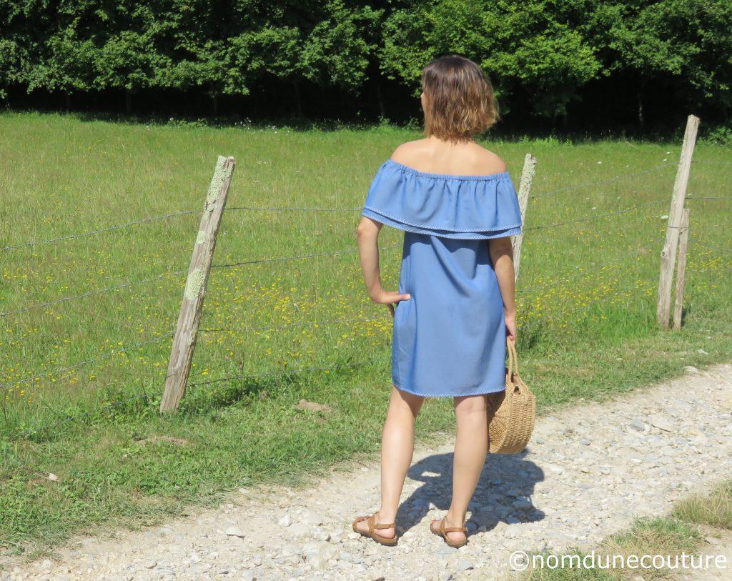 robe bardot en vacances sac rond en rotin