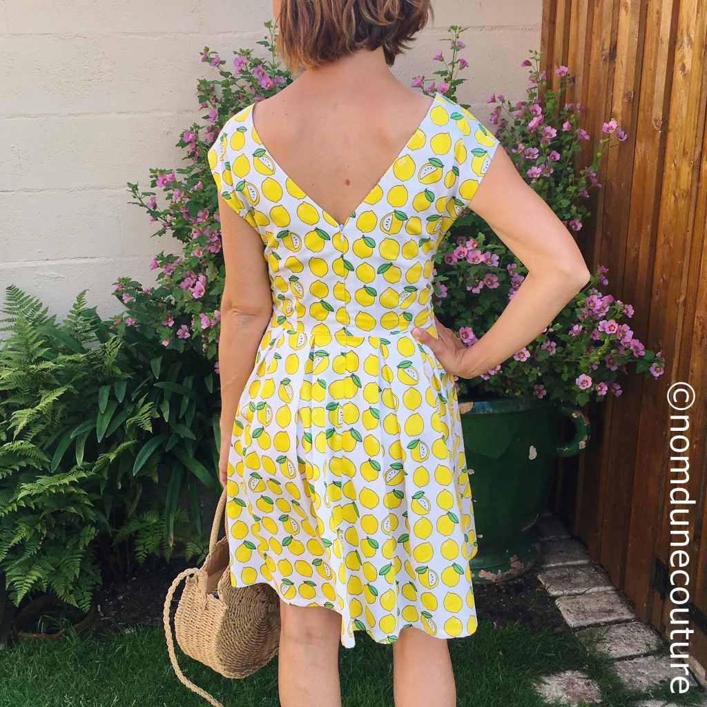 robe avec dos décolleté