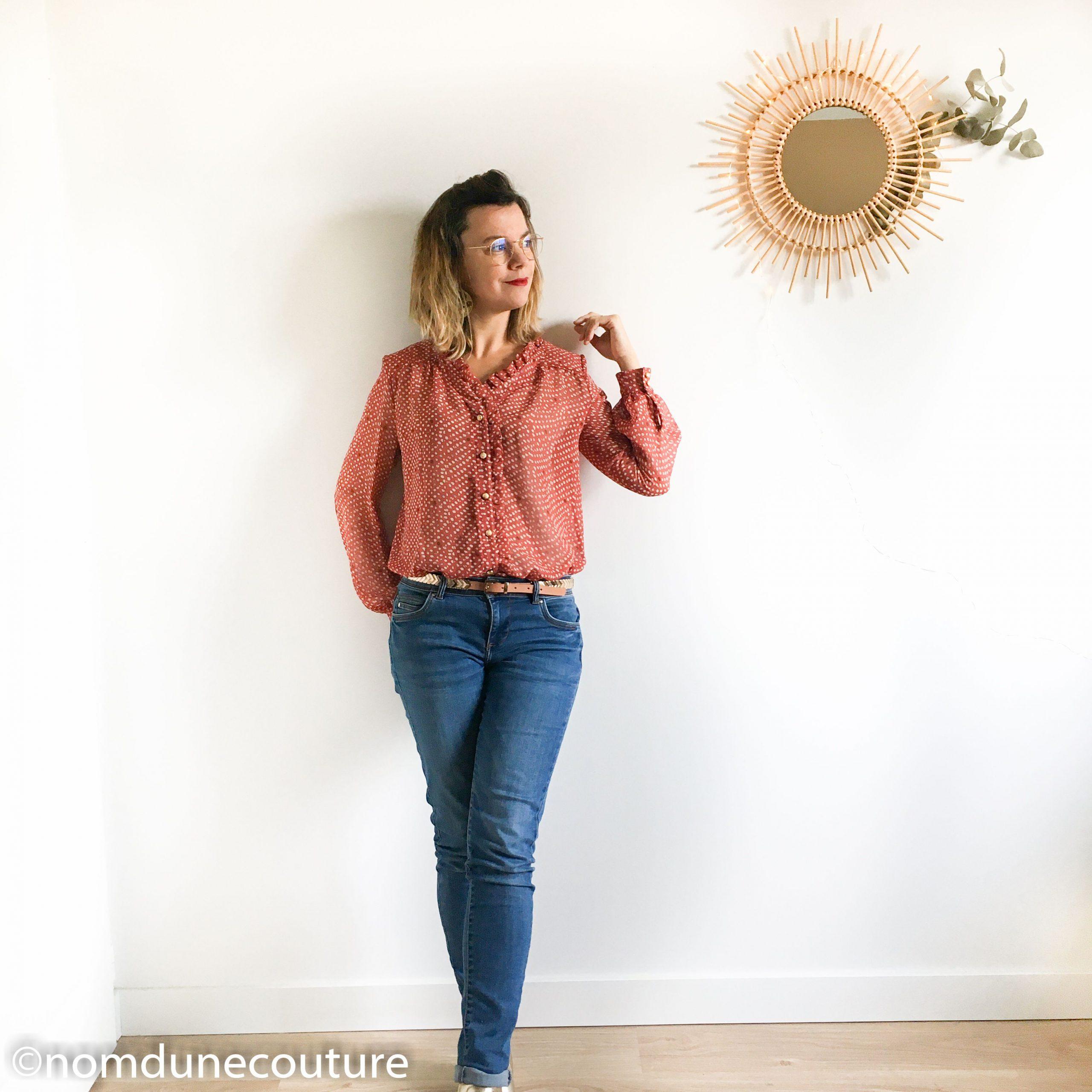 look blouse jean bottine dorée
