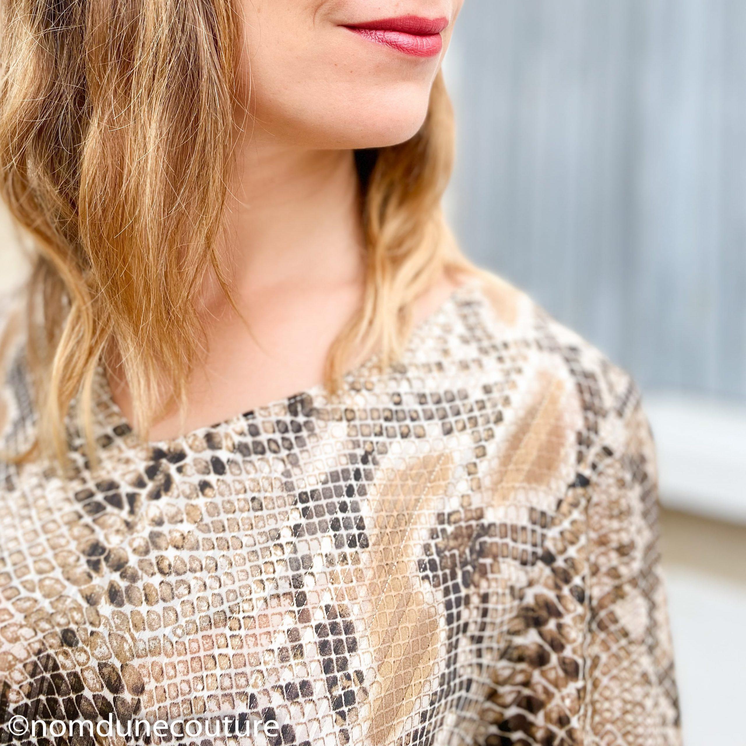 enolure V blouse