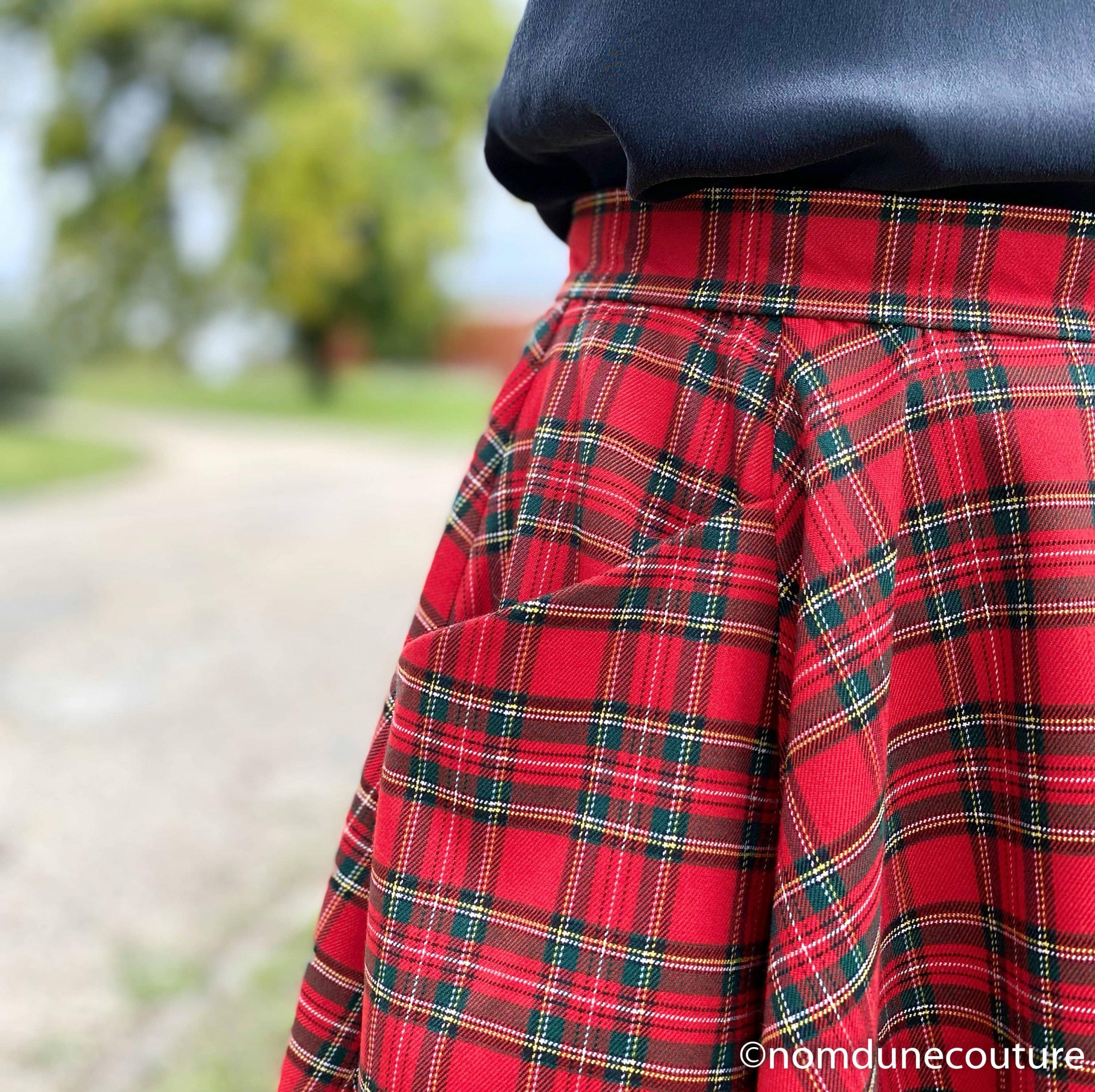 coudre une jupe avec des raccords de carreaux