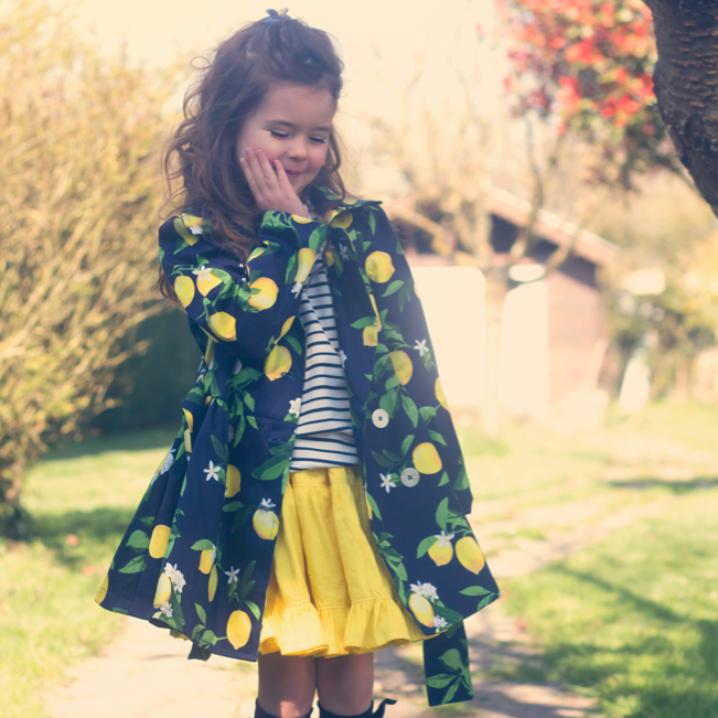 Patron de couture trench fille Marcel Colores la vie